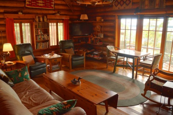 Cabin-Main-Lodge-Lake-Of-The-Woods-Fishing-Guide-Resort-Whitesfish-Bay-1